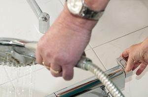Badkamer verbouwd met blijverslening - Lekker Blijven Wonen